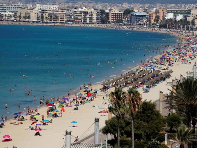 Mehr als 800 spanische Schüler nach Mallorca-Reise infiziert + Delta: Verschärfungen in Moskau