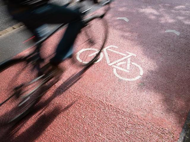 Autofahrer müssen Radfahrern in Darmstadt Platz machen