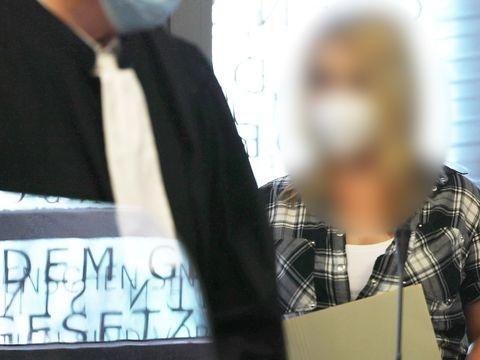 Mord an fünf Kindern: Mutter schweigt beim Prozessauftakt