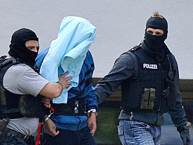 Mädchen (15) attackiert und vergewaltigt: 32-Jähriger festgenommen - er leistete Widerstand