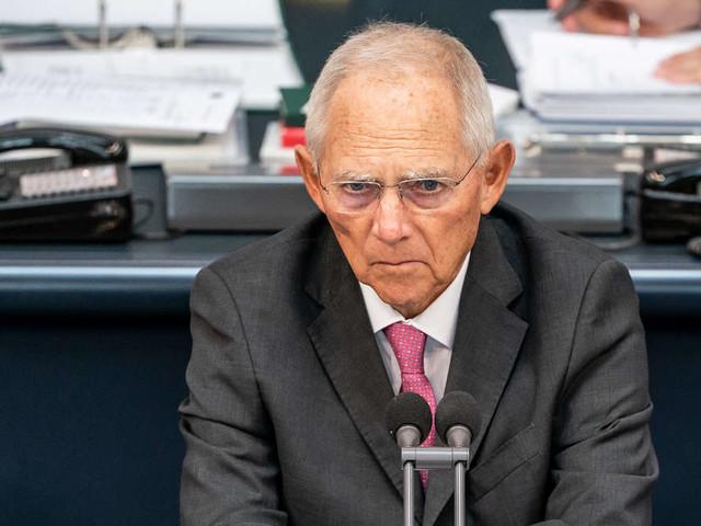 Schäuble drückte Laschet als Kandidat durch - nun muss er selbst büßen und verliert wohl sein Amt