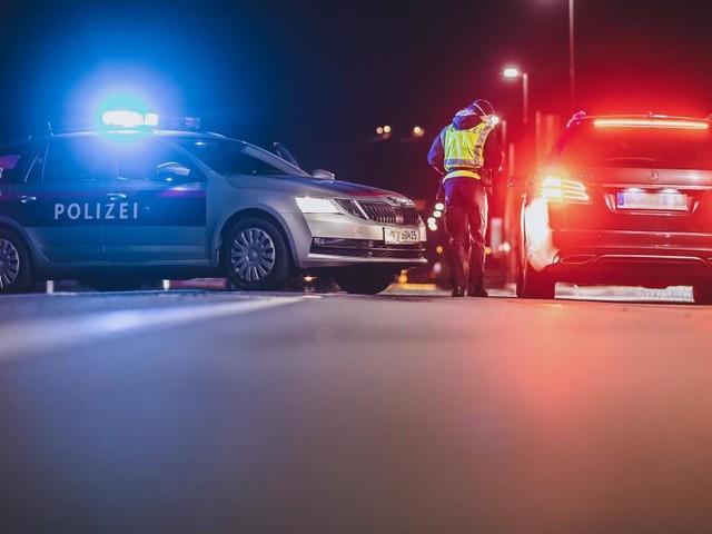 Führerscheine weg: Polizei stoppte gleich mehrere Raser und Alkolenker