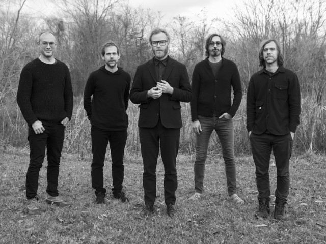 """Neuer Song: The National stellen uns """"Carin At The Liquor Store"""" vor"""
