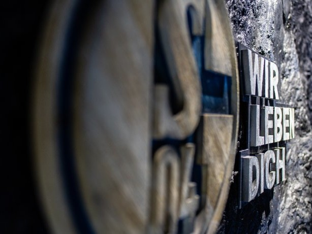 Schalke: Schalkes neues Auswärtstrikot: So reagieren die Fans