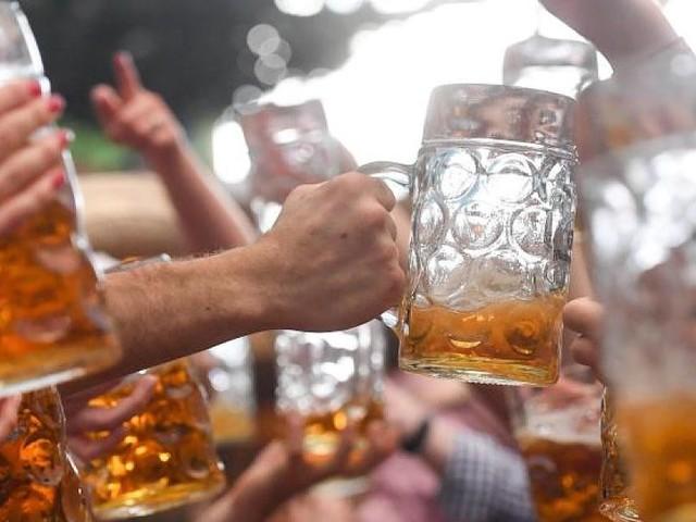 Oktoberfest 2019 - So viel kostet eine Maß Bier, Essen und eine Runde mit den Fahrgeschäften