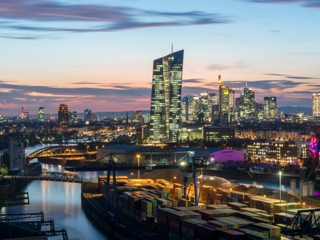 Geldpolitik: Europäische Zentralbank stellt umstrittene Anleihekäufe ein