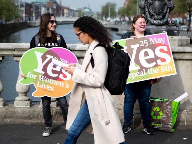 Irland für Abtreibung, Rechtsextreme bei Bundeswehr