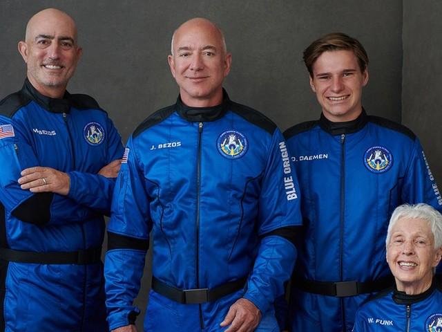 Völlig losgelöst: Auch Jeff Bezos startet ins All