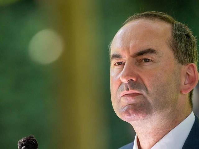 MAN: Aiwanger verspricht Münchner Lkw-Bauer Unterstützung - Deutliche Ansage an Bund