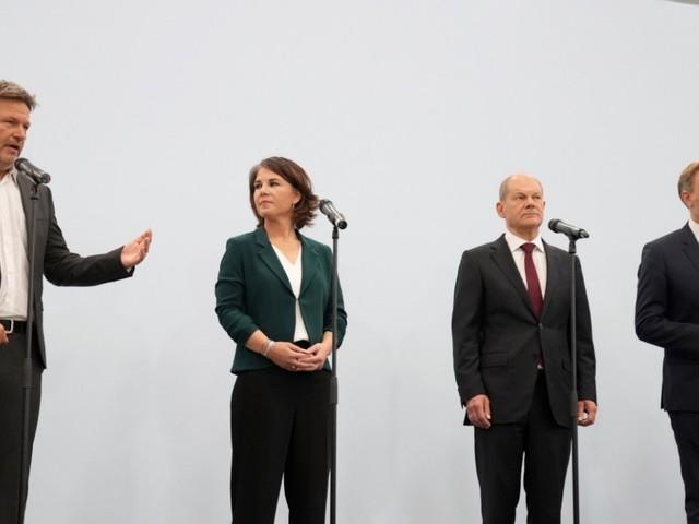 Nach der Bundestagswahl: Spitzen von SPD, Grünen und FDP für Koalitionsverhandlungen im Bund