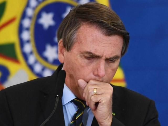 Bolsonaro wegen Dauer-Schluckaufs im Krankenhaus