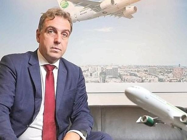Luftfahrt: Germania-Chef macht Regierung für teure Flüge verantwortlich