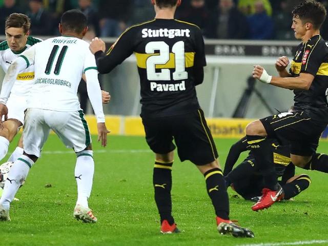 Sieg über Stuttgart - Borussia Mönchengladbach bleibt erster BVB-Verfolger