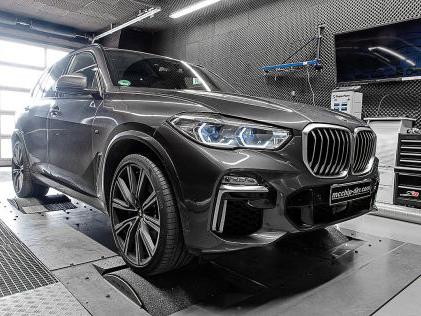 BMW X5 M50d: McChip DKR Leistungs-Boost BMW X5 M50d: Extra-Power für die Turbos