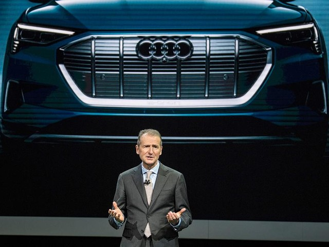 """""""Kämpfen um Marktanteile in den USA"""" - VW fürchtet US-Zölle auf Importwagen - und pumpt Millionen in US-Werk für E-Modelle"""