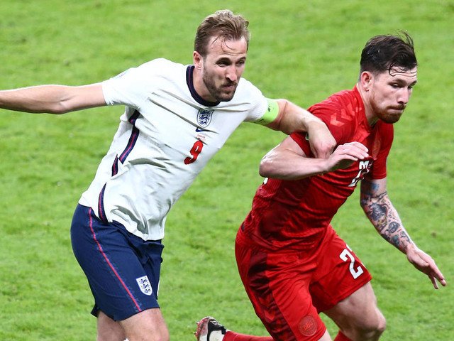 Vor Elfmeter für England: Zweiter Ball auf dem Spielfeld sorgt für Wirbel