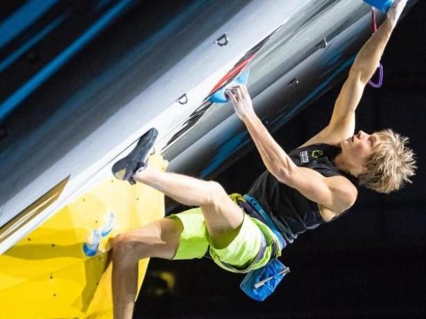 Titelkämpfe in Japan: Kletterer Megos bei Weltmeisterschaftin Lead-Halbfinale