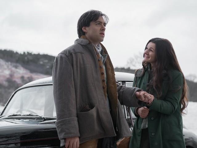 """""""Outlander""""-Star Sam Heughan flirtet mit Richard Rankin auf Twitter, weil die Fans sich zoffen"""