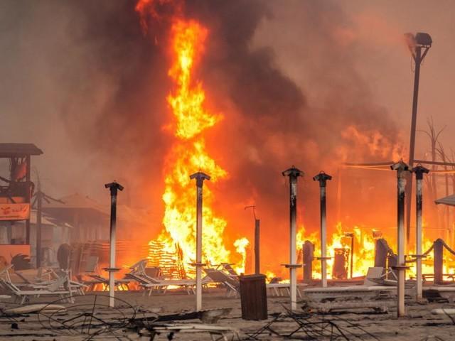 Lohnende Flammen: Das Geschäft mit den Waldbränden