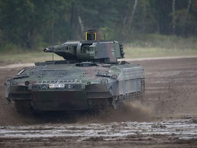 Soldaten fehlt es an Unterhosen, Schutzwesten, Panzern: Bundeswehr büßt für Sünden der Vergangenheit
