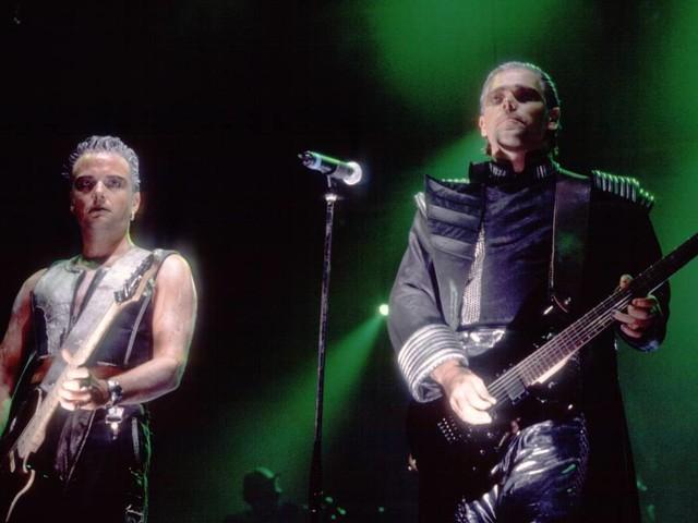 They did it again: Rammstein-Kuss in Sankt Petersburg