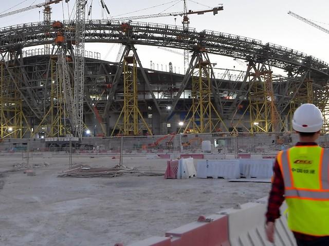 Fans müssen sowieso geimpft sein: Will Katar Impfpflicht auch für WM-Stars?