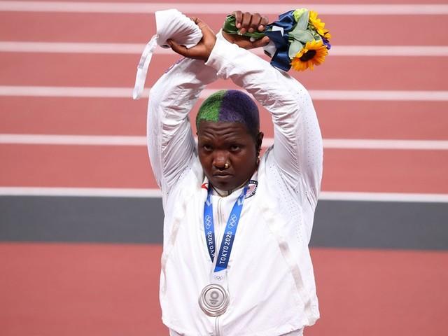 Leichtathletik: Olympia - Kugelstoßerin aus den USA droht Strafe durchs IOC