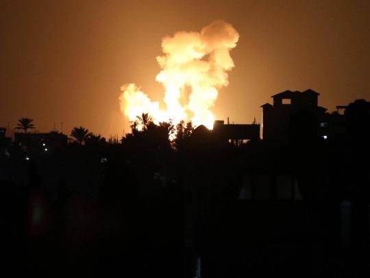 Israel - Armee fliegt Luftangriffe auf Gazastreifen - Vergeltung für Brandballons