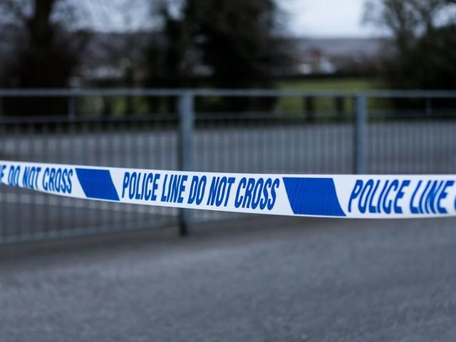 England: Zwei Häuser stürzen nach Explosion ein – Kleinkind stirbt