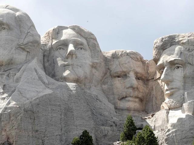 Independence Day: Trotz Corona und Brandgefahr: Trump bekommt sein Feuerwerk am Mount Rushmore