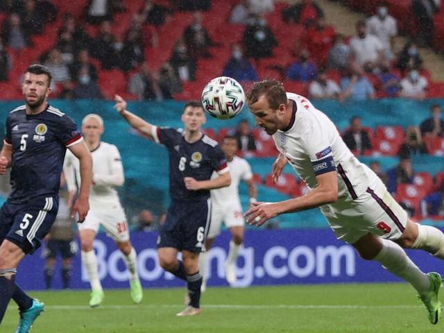 Die Engländer haben wenig Ideen: Das Publikum in Wembley wird unruhig