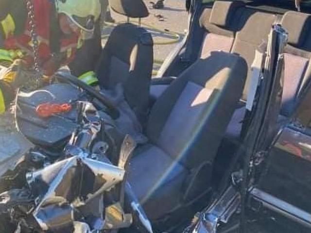 Schwerer Unfall in NÖ: Auto wurde völlig zerfetzt