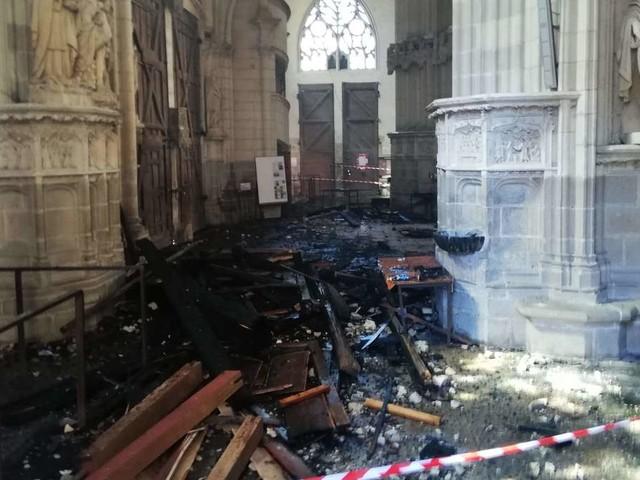 Feuer in Kathedrale von Nantes gelegt? Nach Festnahme erleiden Ermittler Rückschlag