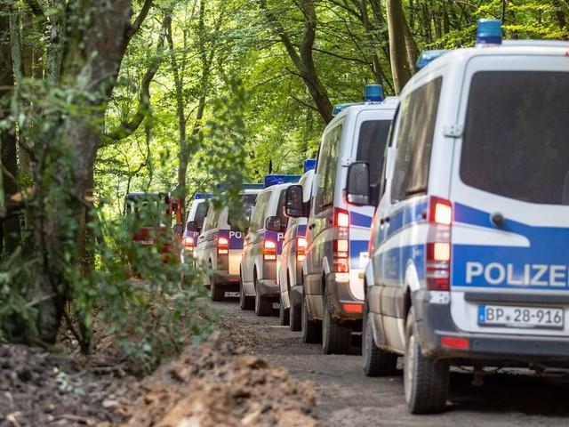 Digitaler Polizeifunk: Warum das Milliarden-Netz ausgerechnet in der Katastrophe versagt hat