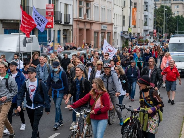 Demos gegen Corona-Politik in Berlin - Mehrere Festnahmen