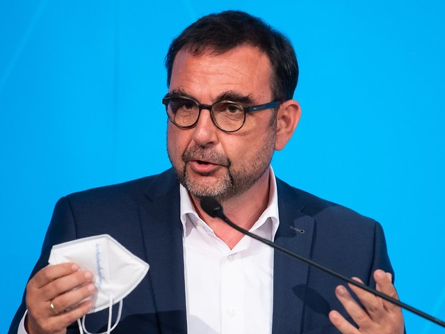 """""""Kostet enorme Summen"""": Holetschek für kostenpflichtige Corona-Tests"""