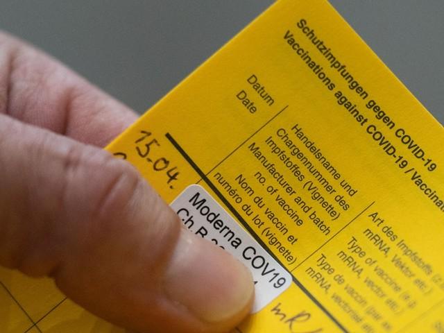Corona-News: Datenschützer warnen davor, Impfpassfotos zu posten + Inzidenz sinkt auf 132,8 – aber immer noch mehr als 18.000 Neuinfektionen