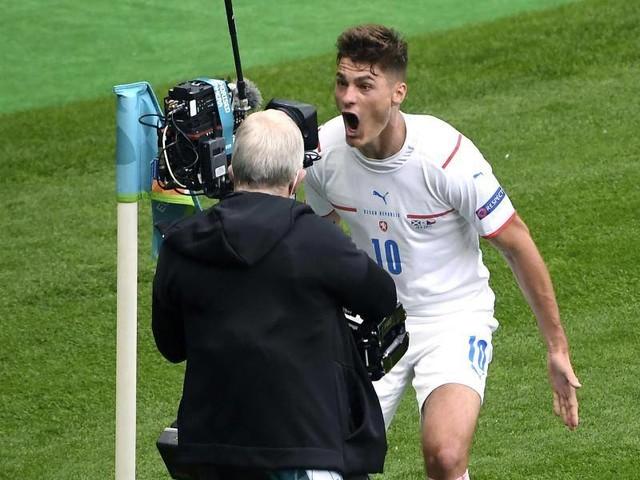 """Fußball-EM: Tschechien dank Genie Schick am """"Beginn der Träume"""""""