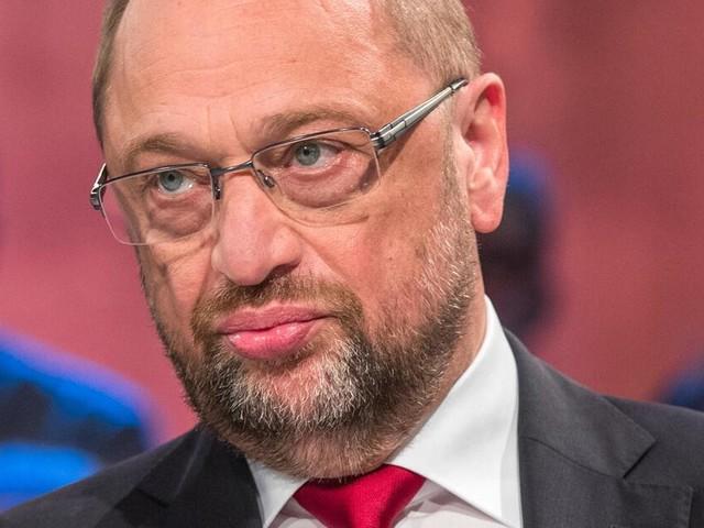 """Bundestagswahl: Martin Schulz in der """"Wahlarena"""" - Kanzlerkandidat attackiert Angela Merkel"""