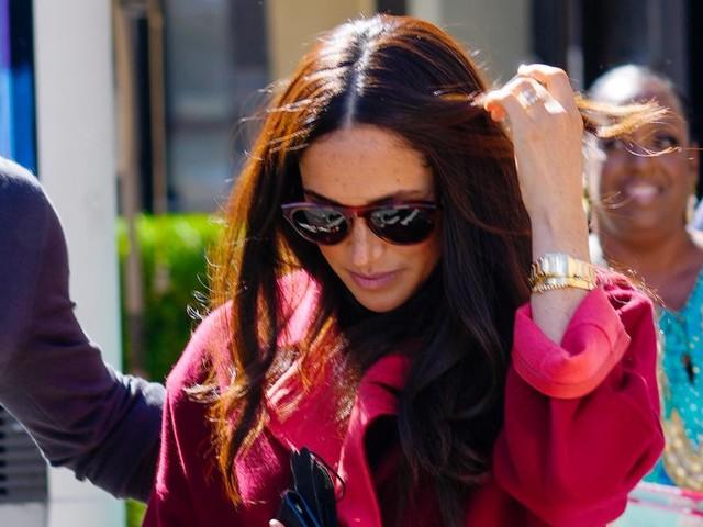 5000-Euro-Jacke: Meghan macht Schulbesuch zum Modeevent