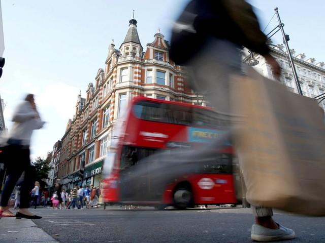 """Freedom Day"": England hebt fast alle Corona-Maßnahmen auf"