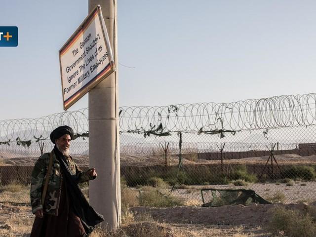 """""""Die Deutschen haben alles zurückgelassen"""", sagt der Taliban und grinst"""