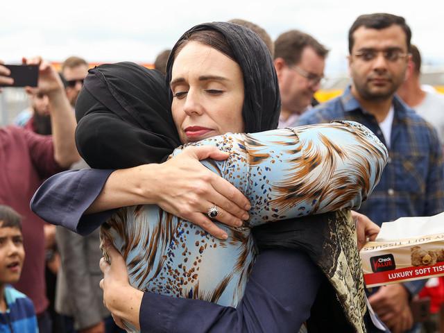 Neuseelands Premierministerin ist der Beweis, dass die Welt mehr Frauen an der Macht braucht