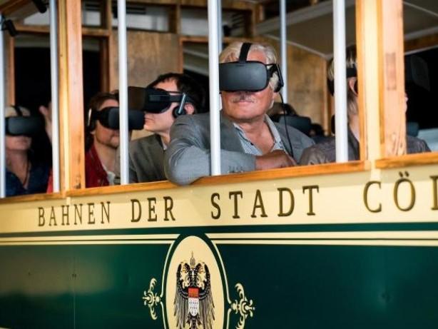 Digital im Urlaub: App-Stadtführungen und virtuelle Zeitreisen