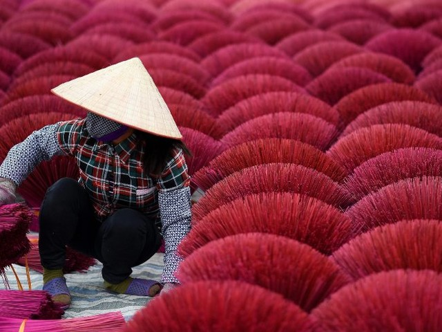Feiern in Vietnam: Ein Dorf sieht rot