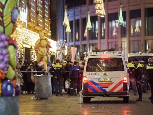 Täter weiter auf der Flucht: Nach Attacke in Den Haag: Verletzte aus Klinik entlassen