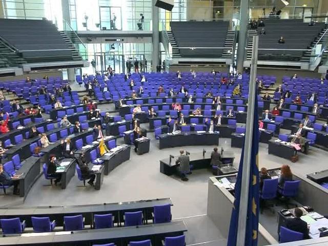 Bundestag beschließt Lockerungen für Geimpfte und Genesene