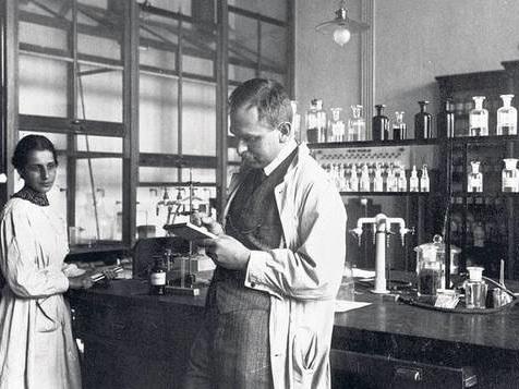 Durch den Hintereingang ins Berliner Labor