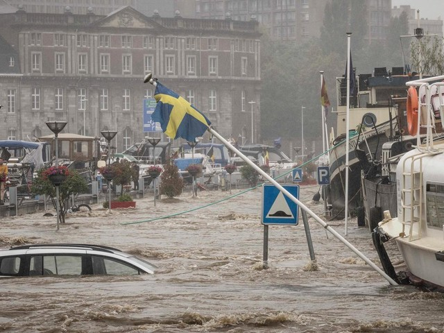 Flutkatastrophe | Sturzfluten in Belgien – Autos werden weggespült