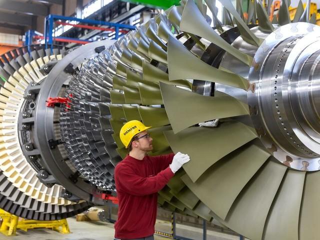 Industrie: IW-Studie: Firmen im Osten haben niedrigere Arbeitskosten